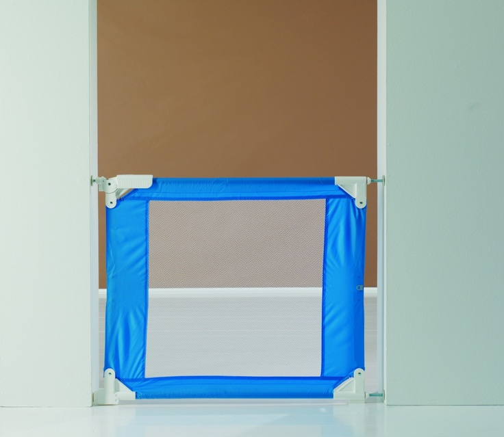 The BabyDan Gate To Go Travel Stair Gate 71 92cm   Blue Can Be Easily