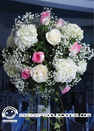 Elige para tu boda el arreglo floral que mas te guste, agenda con nosotros tu cita de decoración. Manejamos gran variedad de centros de mesa.
