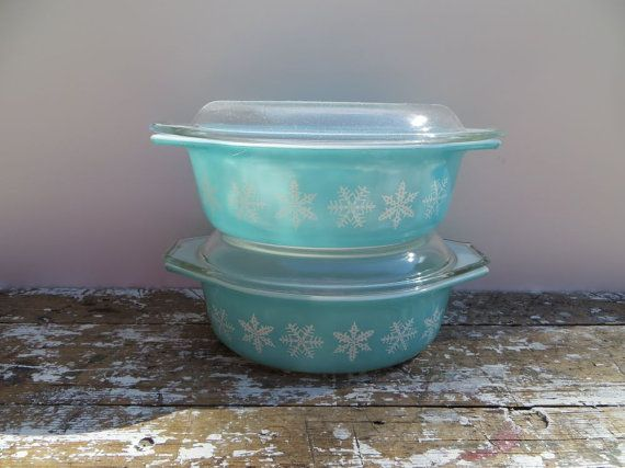 Snowflake Pyrex Casserole Dish Pyrex by VintageShoppingSpree, $44.00