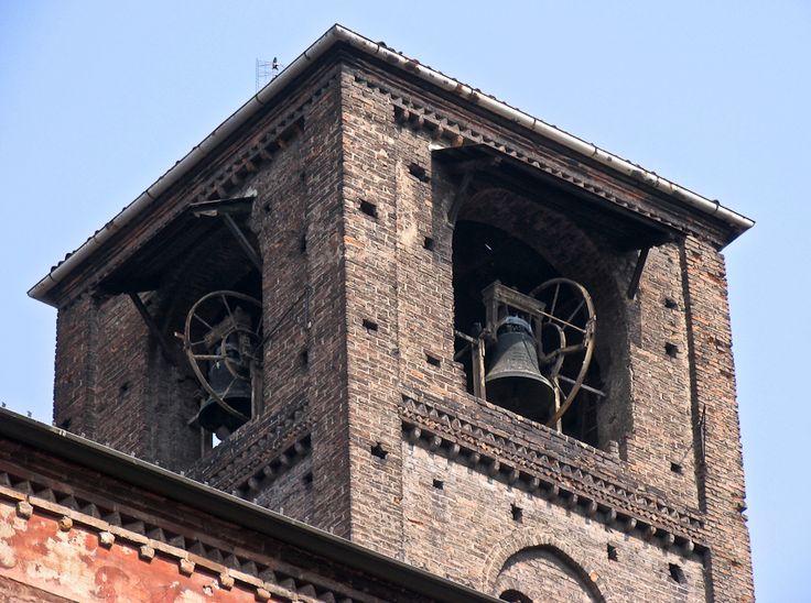 Le clocher de l'église gothique San Domenico.