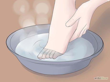 Imagen titulada Perform a Professional Salon Pedicure Step 4