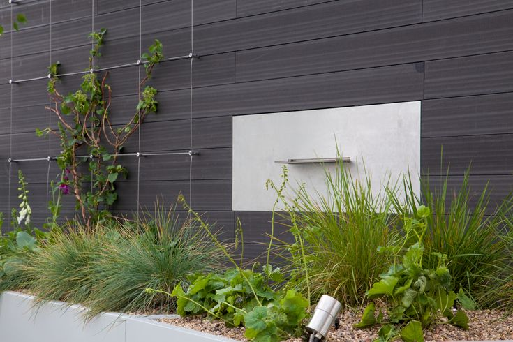 Green Wall Wire Trellis System