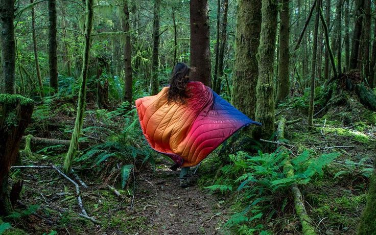肌寒い季節になってきましたね。秋、冬のキャンプには暖かいブランケットが必須になってきます。毛布とは違って軽くて使い勝手がいいブランケットは、キャンプでは様々なシーンで活躍してくれます。そんなブランケットにあなたが一番求める機能は何ですか?軽さですか?安さですか?暖かさですか?もちろん全てそろえば素敵ですがここだけ...
