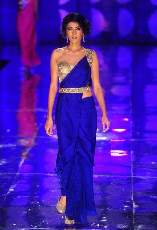 India Bridal Fashion Week: Jyotsna Tiwari Royal blue sari with gold blouse and belt