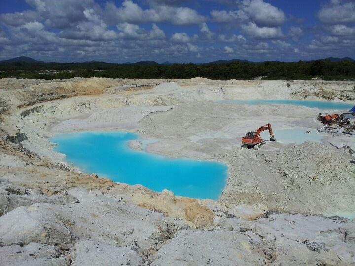 Kaolin mining at Badau