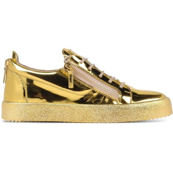 Giuseppe Zanotti Design Low-Tops & Trainers ($550) ❤ liked on Polyvore featuring men's fashion, men's shoes, men's sneakers, gold, mens low profile shoes, giuseppe zanotti mens sneakers, mens low profile sneakers, mens leather shoes and mens leather sneakers