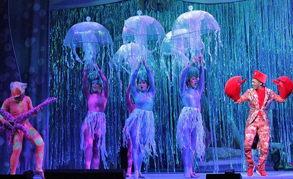dancers are jellyfish- dance with umbrellas. This has to be one of my favorite things done with this particular show.
