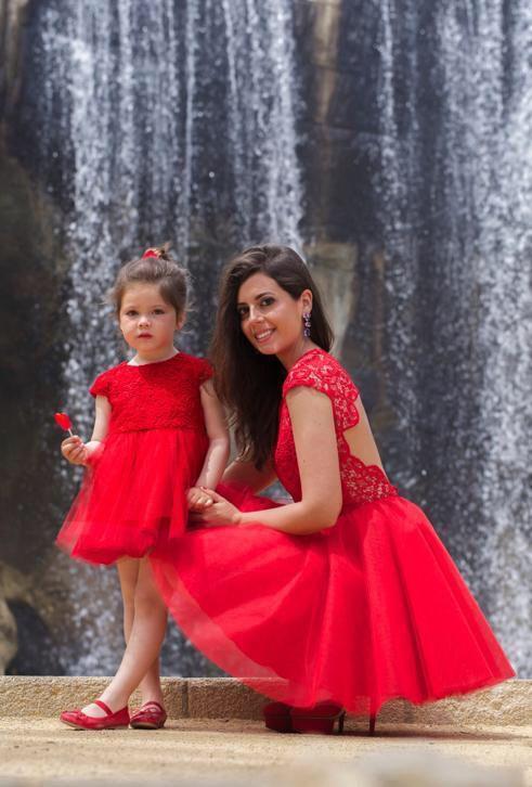 Matching jurken moeder en dochter trouwjurk op maat bruid