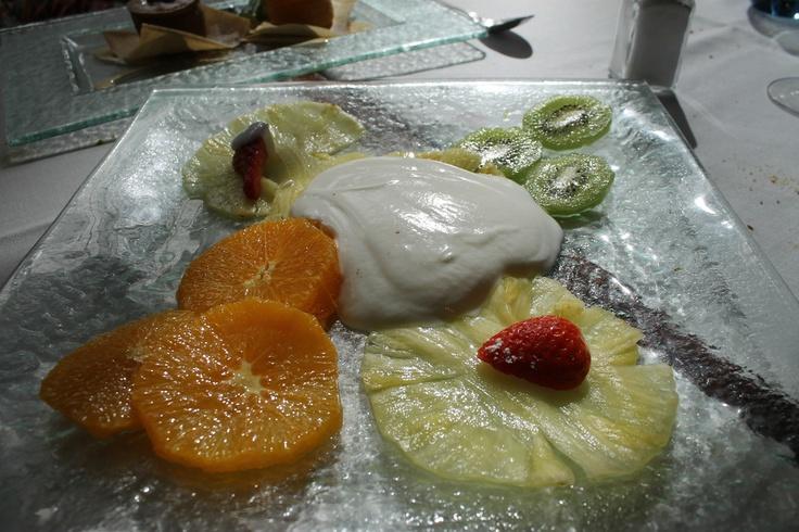 Carpaccio de fruta al yogur amargo, de 'Bazaar' (Madrid-Spain)