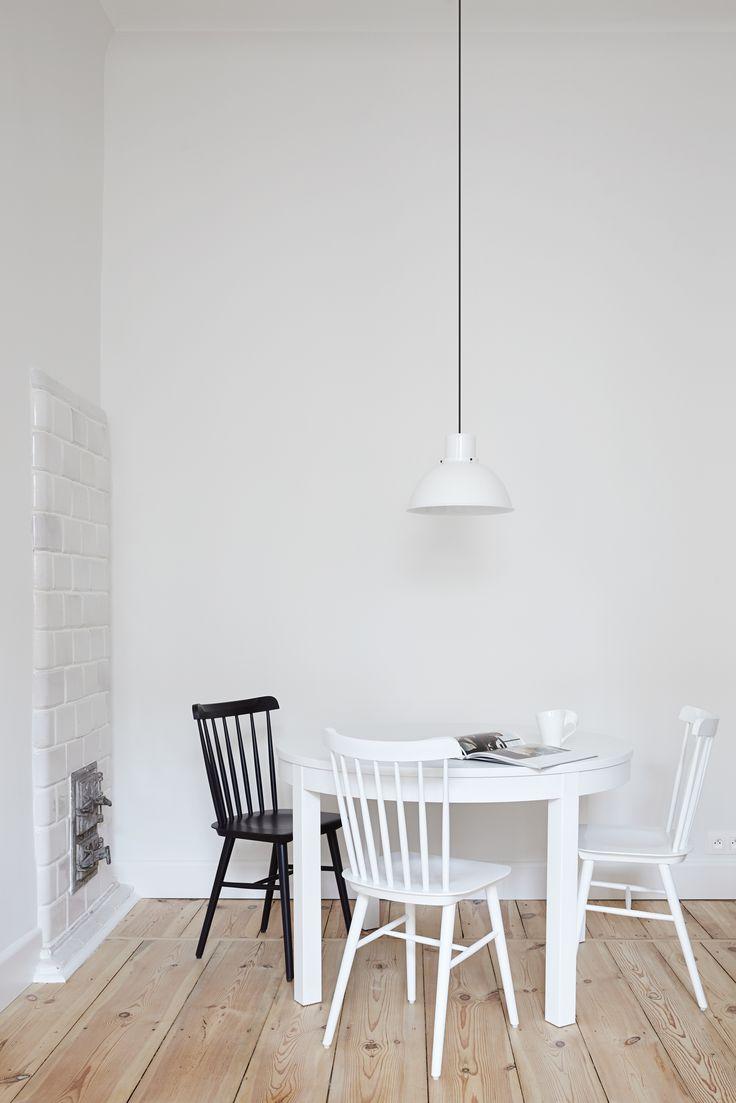 INTERIOR DESIGNER & STYLIST: Agnieszka Suchora / PHOTOGRAPHY & POSTPRODUCTION: Jola Skóra // lamp: Reflex Maxi, proj. T. A. Rudkiewicz   TAR / chairs: TON / table: IKEA / cup: Villeroy & Boch