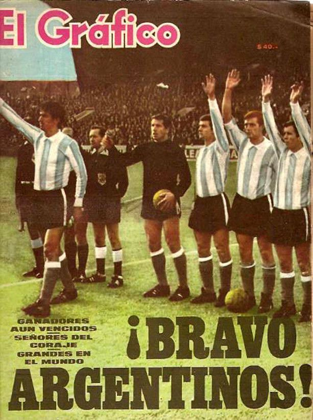 SOCCER WORLD CUP 1966 ENGLAND vs ARGENTINA Magazine  | eBay