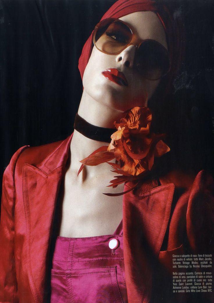 50's #Jacoll silk turban. In #VogueItalia, April 2011. Styling : #EdwardEnninful. Photo : #StevenMeisel. #KristinaSalinovic
