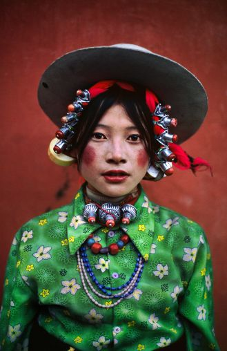 culturalcrosspollination:  Tibetan woman