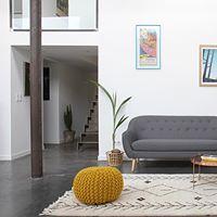 Des portes coulissantes design pour aménager votre loft Autrefois uniquement utilisée dans les entrepôts, les granges, les usines… La porte coulissante est aujourd'hui très prisée en décoration et aménagement d'intérieur. Elle apporte une véritable alternative à la porte à battant. Hormis l'aspect esthétique, la porte coulissante présente un autre avantage de taille par rapport à …