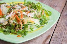 Взрывной салат с курицей и лапшой от Джейми Оливера