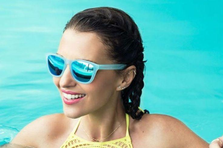 Paula Echevarría Oficial y Luis Suarez - Barcelona para Hawkers Co., las gafas de sol más molonas de la temporada. #Modalia | http://www.modalia.es/celebrities/11645-paula-echevarria-luis-suarez-hawkers.html #hawkers #paulaechevarria #luissuarez