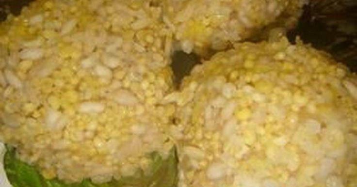 豚挽き肉ともち米じゃふつーすぎてつまらないから五穀米にしちゃいました。おもてなしやパーティーなどにも。十六穀米でも。
