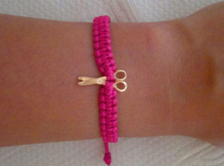 pink-scissors macrame