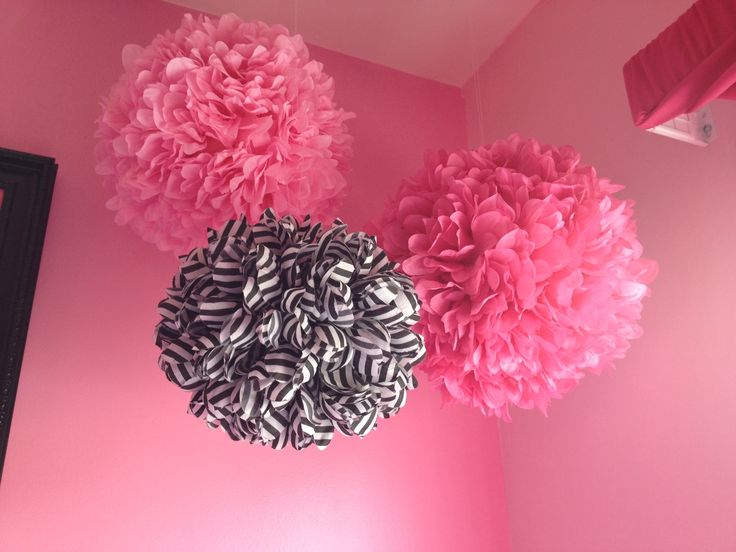 Pink teen girl bedroom idea(hobby lobby)