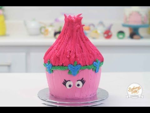 CUPCAKE GIGANTE DE TROLLS - BAKING DAY - YouTube