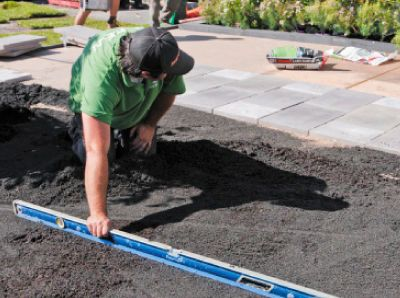How to properly lay turf (no lumps or bumps in sight!)