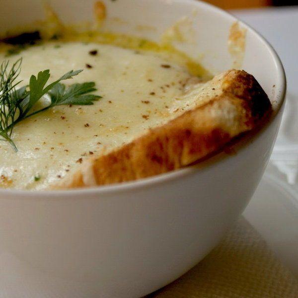 http://aranygondolatok.com/hu/receptek/hagyma-kremleves-francia-modra