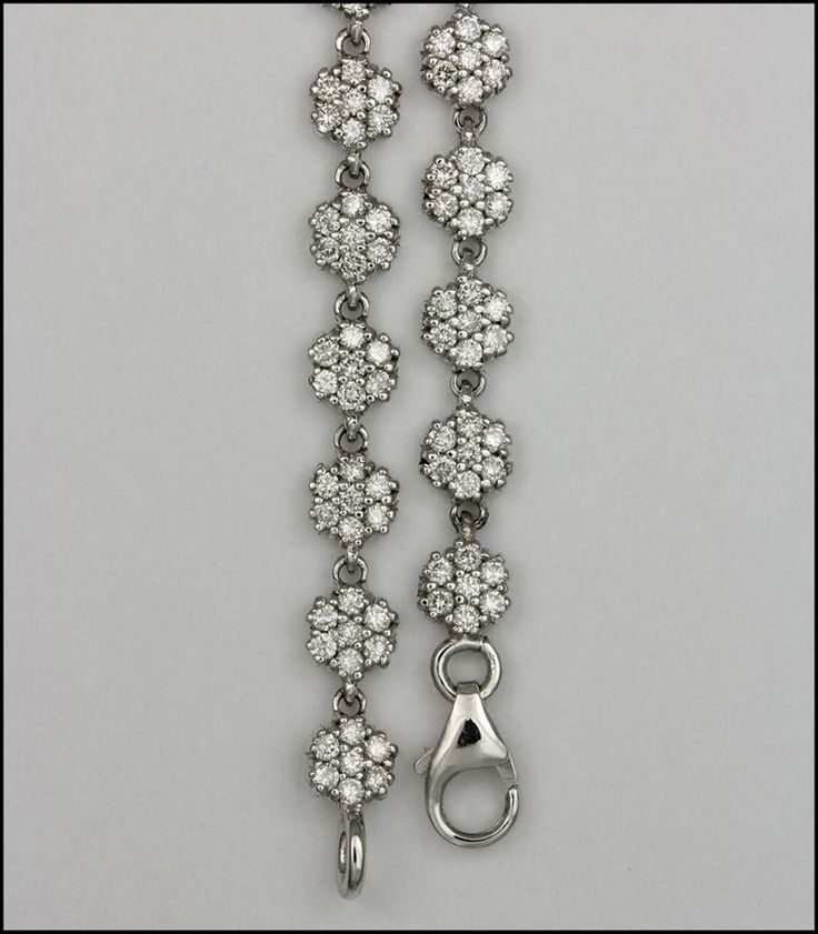 Ref. 2X Detalle de gargantilla con diamantes, elaborada en oro blanco de 18K.