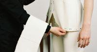 Gutscheine für: Sthenno Masskleidung – Maßgeschneiderte Kleidung  Sthenno Masskleidung ist ein Atelier für Damen- und Herrenkleidung in Maßanfertigung. Ein Kleidungsstück von Sthenno, welches den eigenen Wünschen und Vorstellungen von Mode entspricht, und zudem handwerklich perfekt der individuellen Gestalt angepasst ist wird länger und lieber getragen, wie in Fernost produzierte Massenware. Es ist nachhaltig im besten Sinne.
