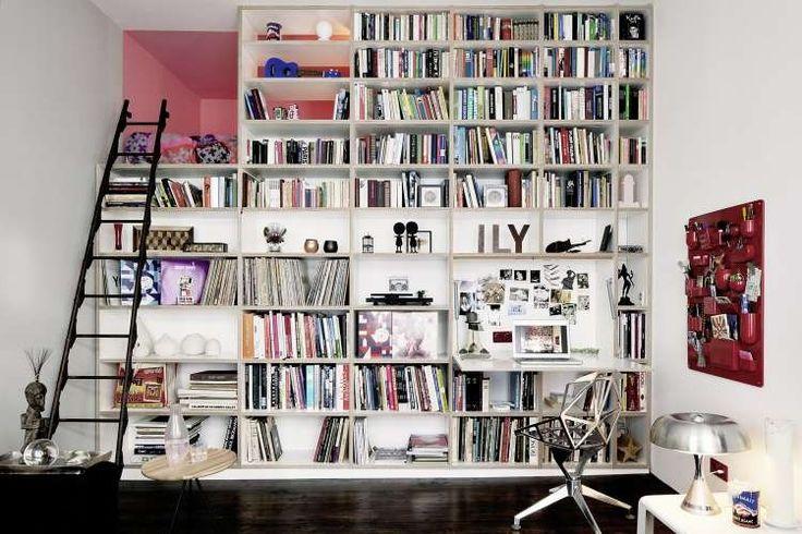 Это небольшое пространство в Берлине, Германия площадью всего 40 квадратных метров было преобразовано в уютный стильный лофт дизайнерами студии Project Architecture