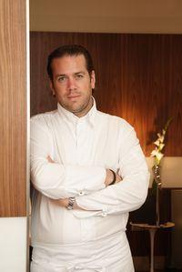 Le chef Arnaud Lallement, 39 ans, du restaurant l'Assiette champenoise à Reims, a été sacré Cuisinier de l'année dans l'édition 2014 du guide Gault & Millau