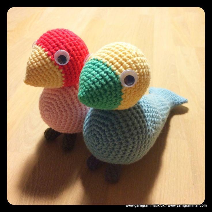Den smukke sangfugl fra Kay Bojesen - hækleopskrift. Den må jeg bare lave en dag! Måske med en anelse længere næb..?