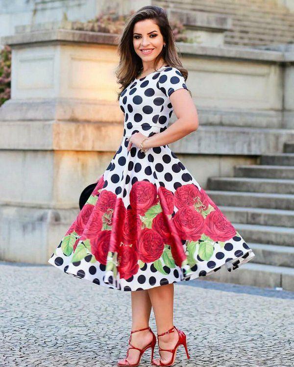 46a6c2bed7 Vestido Midi Poá com Rosas na Saia - Moda Evangélica - Flor de Amêndoa
