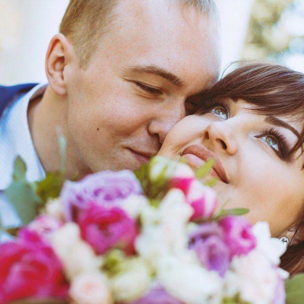 В свадебной церемонии участвуют два кольца: одно надевают на палец невесты другое продевают в нос жениха (с) Роберт Орбен #ростовнадону #краснодар #санктпетербург #москва #wedding #свадебныйфотограф #свадебныйдень