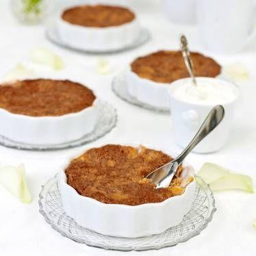 Smakar ljuvligt med vaniljglass, vaniljsås eller lättvispad grädde.