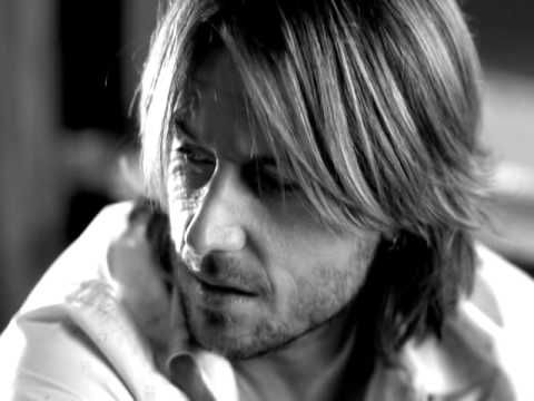 previous view count: 4,038,360 Music video by Keith Urban performing Making Memories Of Us.