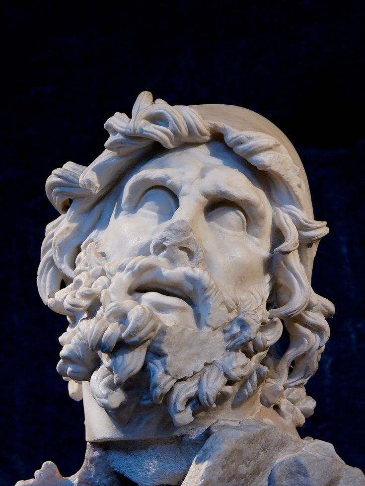 https://upload.wikimedia.org/wikipedia/commons/b/b4/Head_Odysseus_MAR_Sperlonga.jpg