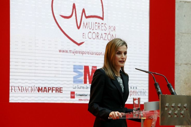 "Letizia in Black & White in Madrid for ""Mujeres por el Corazón"" Event – October 17, 2014"