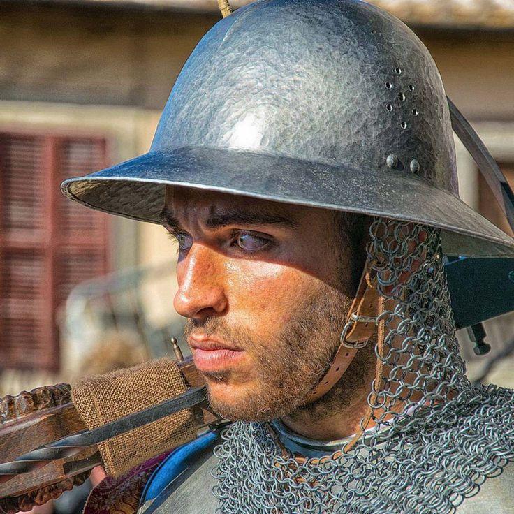 Carlo Marino - Arciere dallo sguardo intenso, al Corteo storico di Viterbo 2016