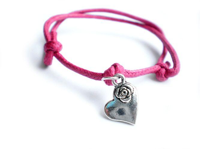 Różowa bransoletka sznurkowa z sercem w estoresa na DaWanda.com