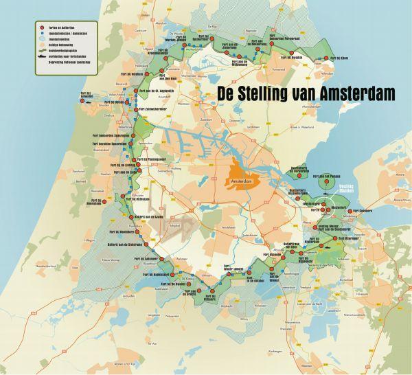 Tussen 1880 en 1920 werd rondom Amsterdam een indrukwekkend verdedigingssysteem aangelegd: de Stelling van Amsterdam. Deze militaire linie bestaat uit 42 forten en 4 batterijen en een grote hoeveelheid dijken en sluizen. De Stelling beschermde de Nederlandse hoofdstad bij een buitenlandse aanval door het te omringen met een ondoordringbare laag water. Als alle andere linies waren gevallen, konden leger en regering zich achter deze 'muur van water' verschansen.