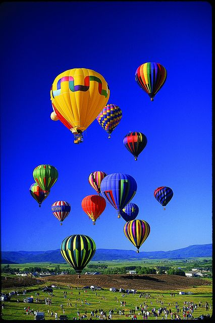 The colors of the rainbow - hot air balloons