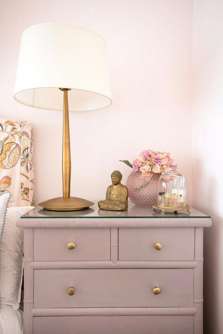 Bedside table details in pink and gold #WhiteAndPinkBedroom | Pink ...