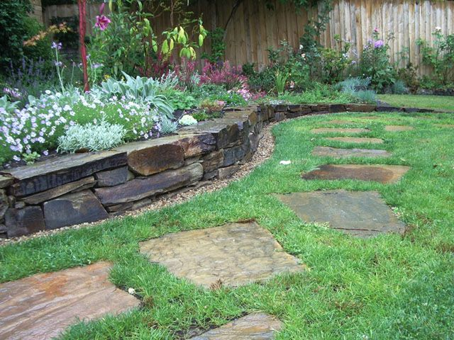 Castlemaine stone wall with slate stepping stones