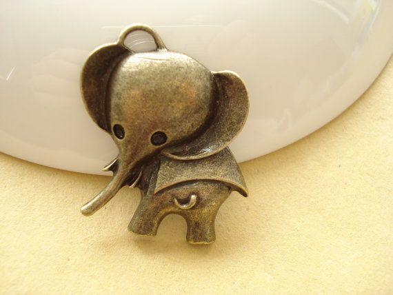 2pcs Baby Elephant Antiqued Bronze Charm Pendant by yooounique, $2.25