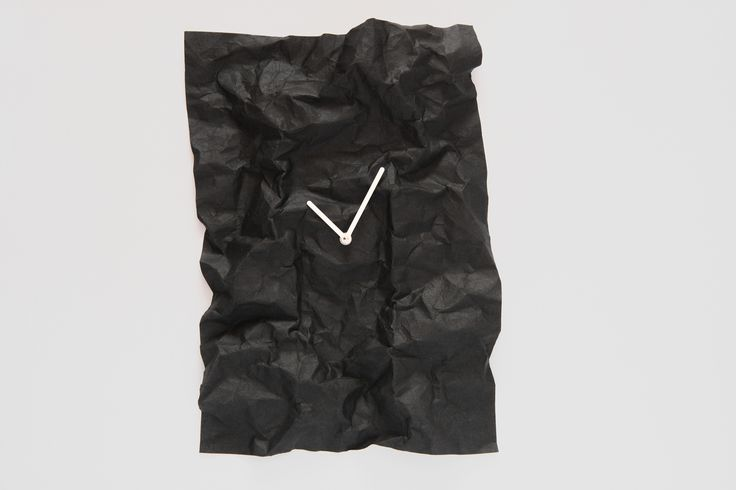 NEW TIME // wall clock / black / design: Veronika Szalai / photo: Péter Magyar