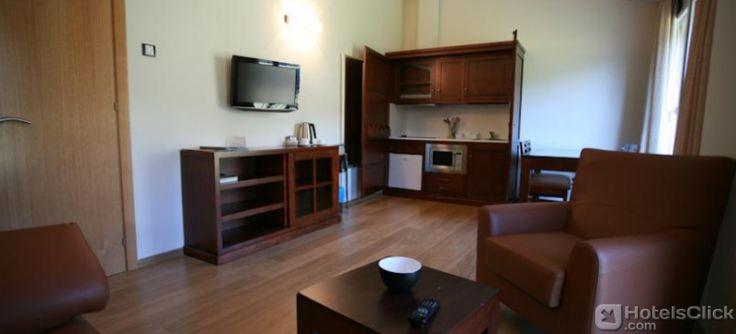 L'elegante Hotel Obaga Blanca in Andorra offre una gamma di accessori moderni come centro benessere con sauna, vasca idromassaggio al coperto e all'aperto, palestra completamente attrezzata.  http://www.hotelsclick.com/alberghi/Andorra/Andorra_La_Vella/53005/Hotel-L_Obaga_Blanca.html