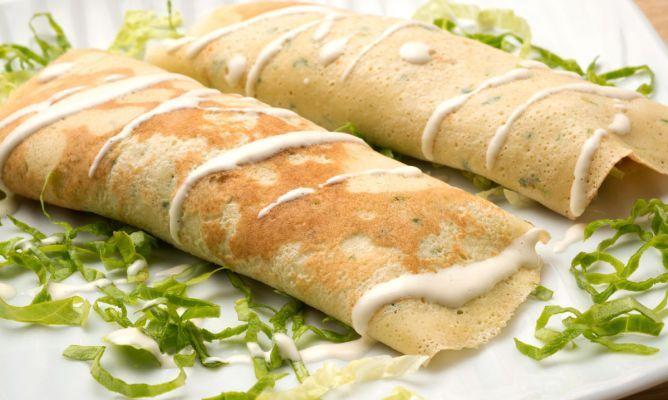 Receta de Crepes de pollo, lechuga, queso y nueces
