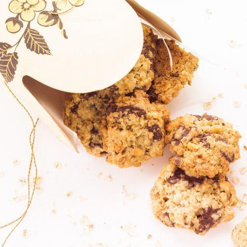 Cookies croustillants aux flocons d'avoine, noisettes et pépites de chocolat - Chocolat & Caetera