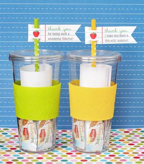 teacher tea straws: Crafts Ideas, Gifts Ideas, Teacher Gifts Cups With Straws, Teacher Appreciation Gifts, Teacher Appreciation Cups, Diy Gifts, Straws Flags Teacher, Teacher Cups Gifts, Teacher Gifts With Cups