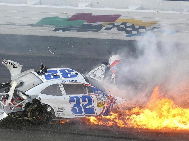 Nascar crash Daytona